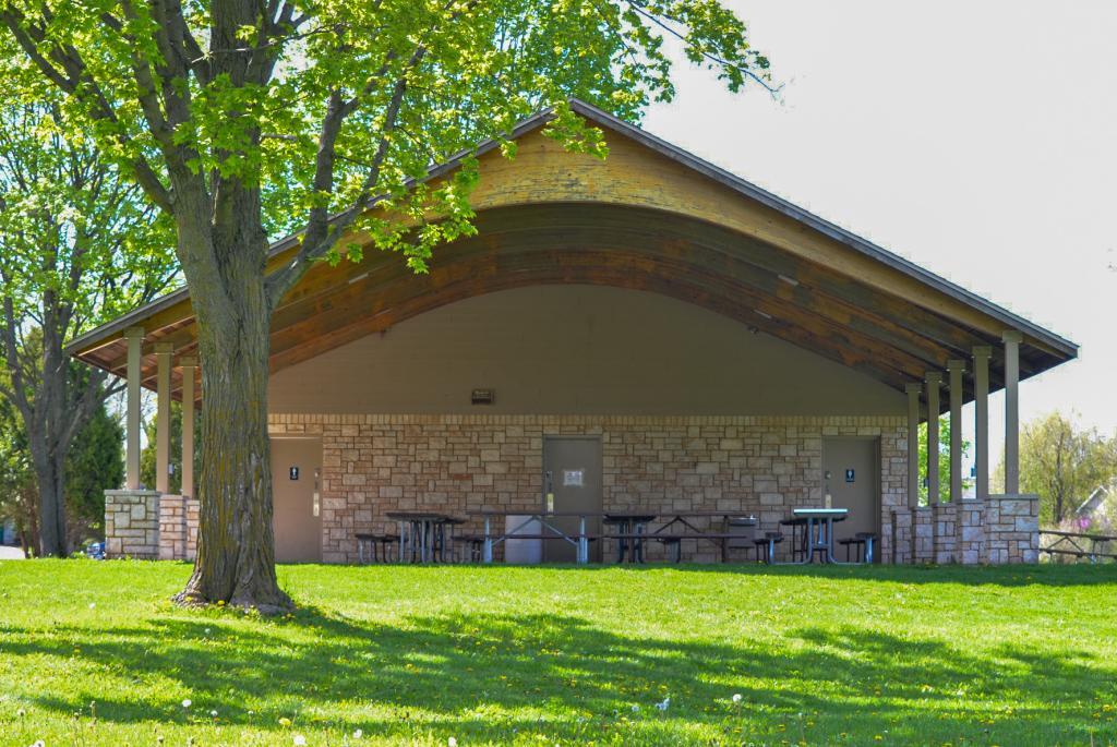 band shelter