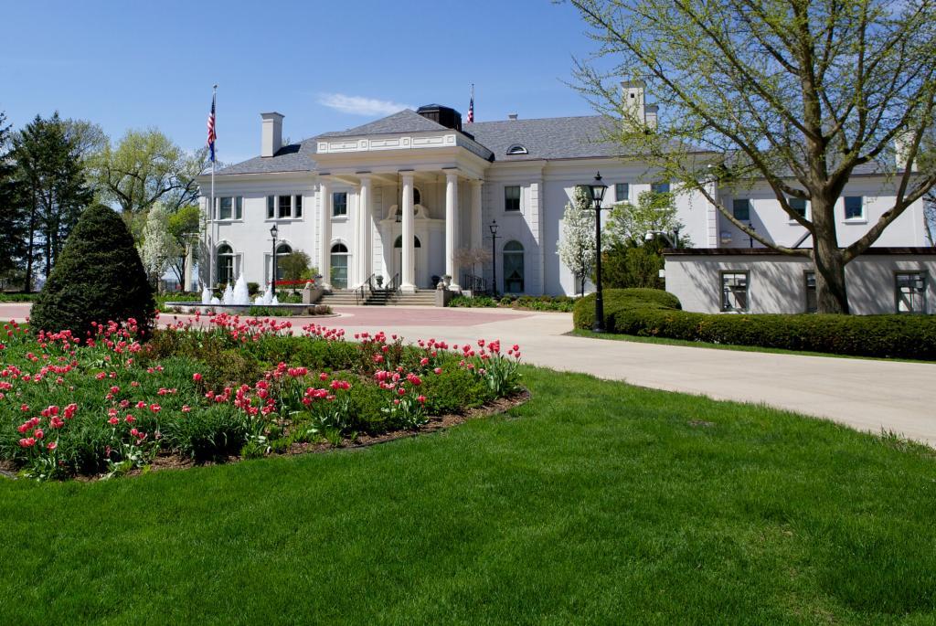 Gov. Mansion Exterior