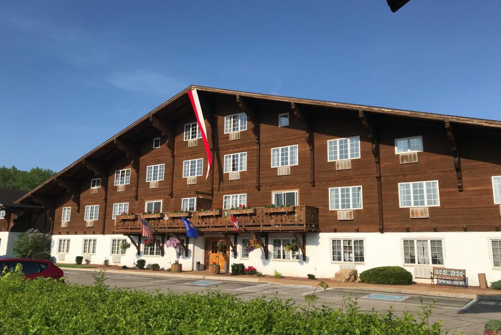 chalet-landhaus-exterior2