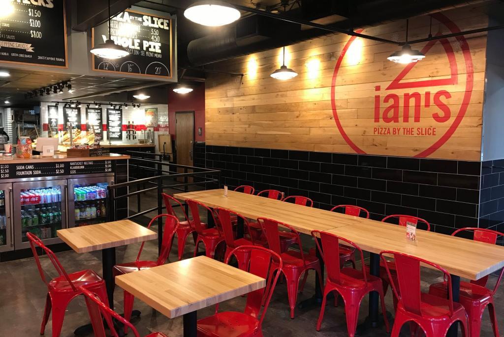 ians-pizza-by-slice-interior