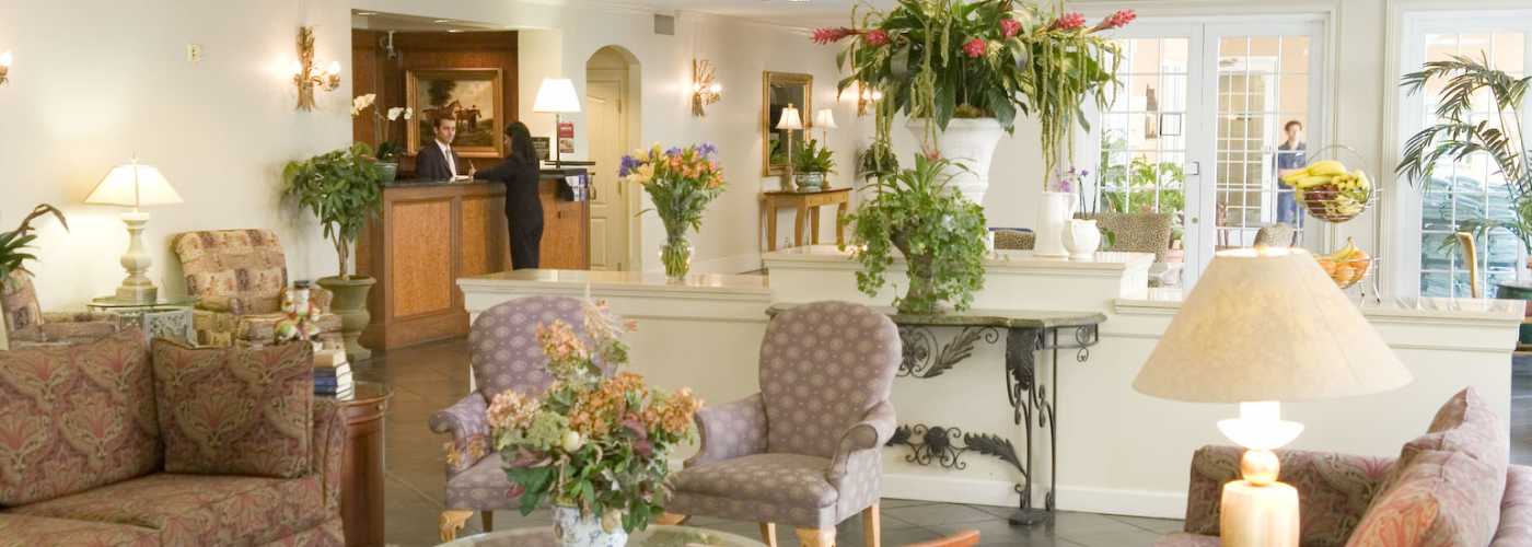 Hampton inn new orleans st charles ave garden district hotel - Hotels near garden district new orleans ...