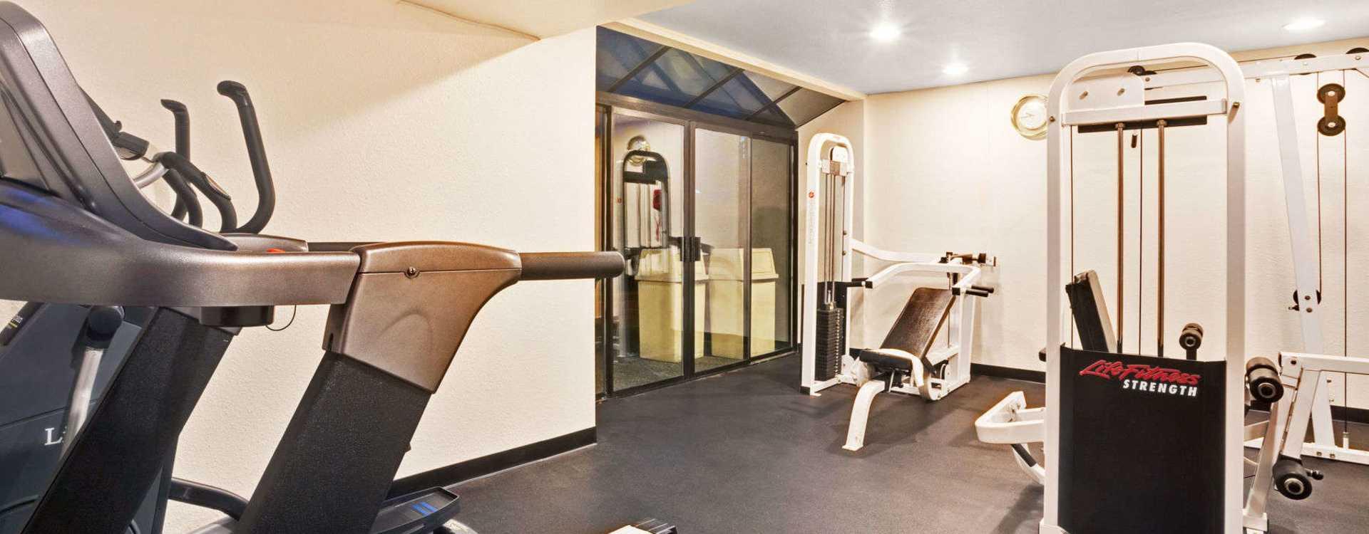 Health Club & Fitness Center
