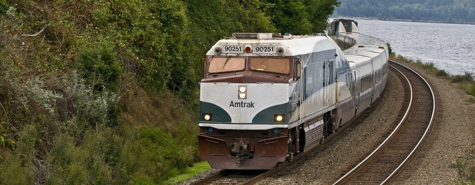 Amtrak_Cascades.jpg