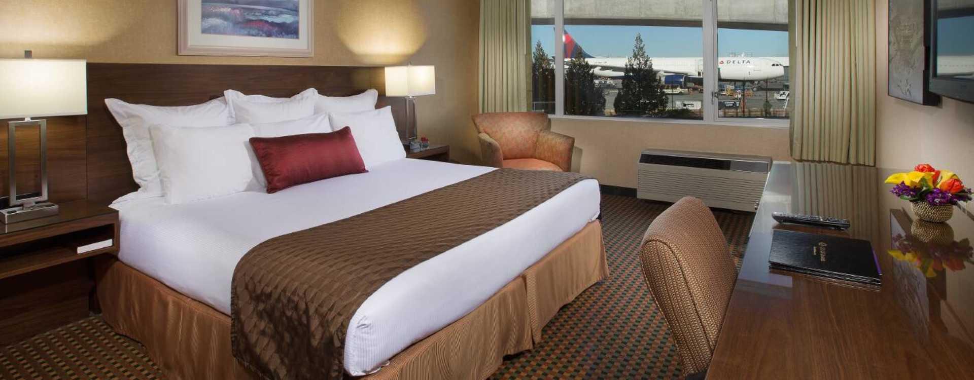 Coast Gateway Hotel Guest Room