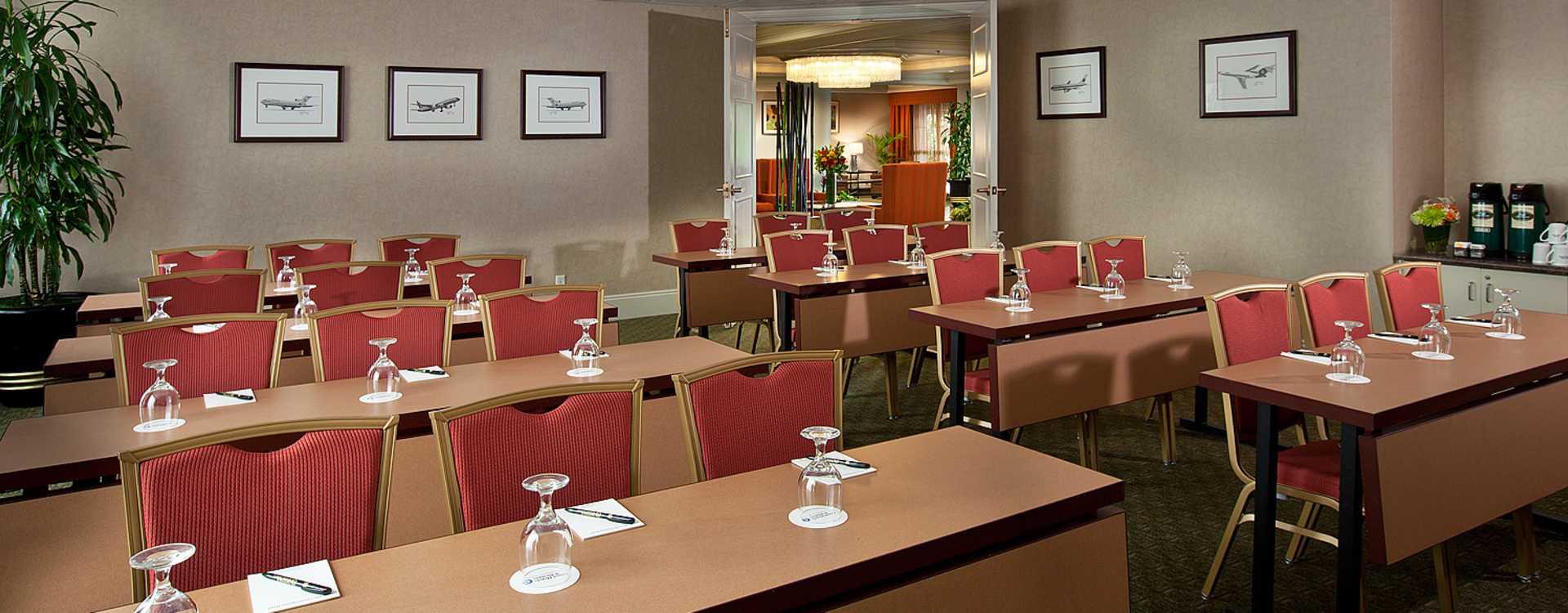 Coast Gateway Hotel Meetings - McCracken Board Room