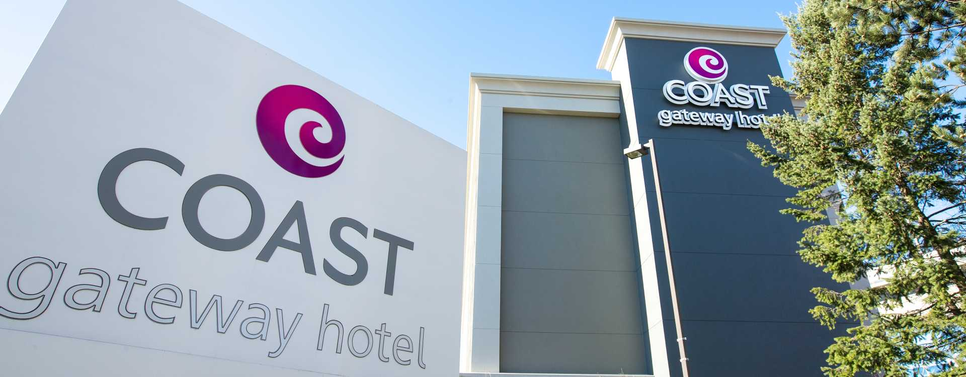 Coast Gateway Hotel exterior