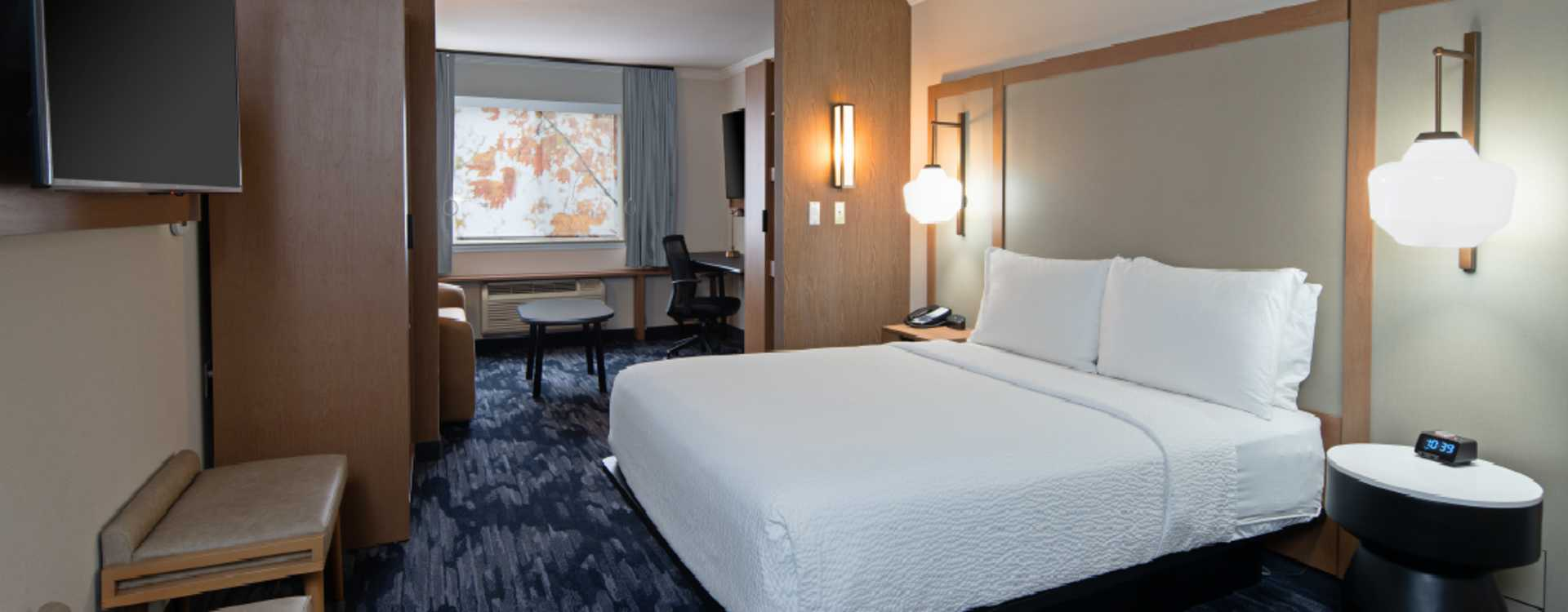 Fairfield Inn by Marriott Seattle Sea-Tac Airport Queen Suite