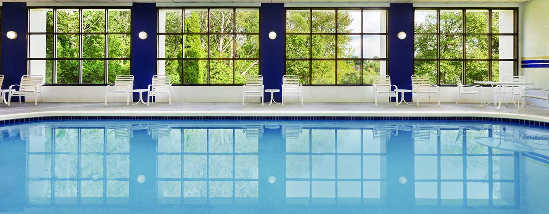 Radisson Hotel Seattle Airport Pool