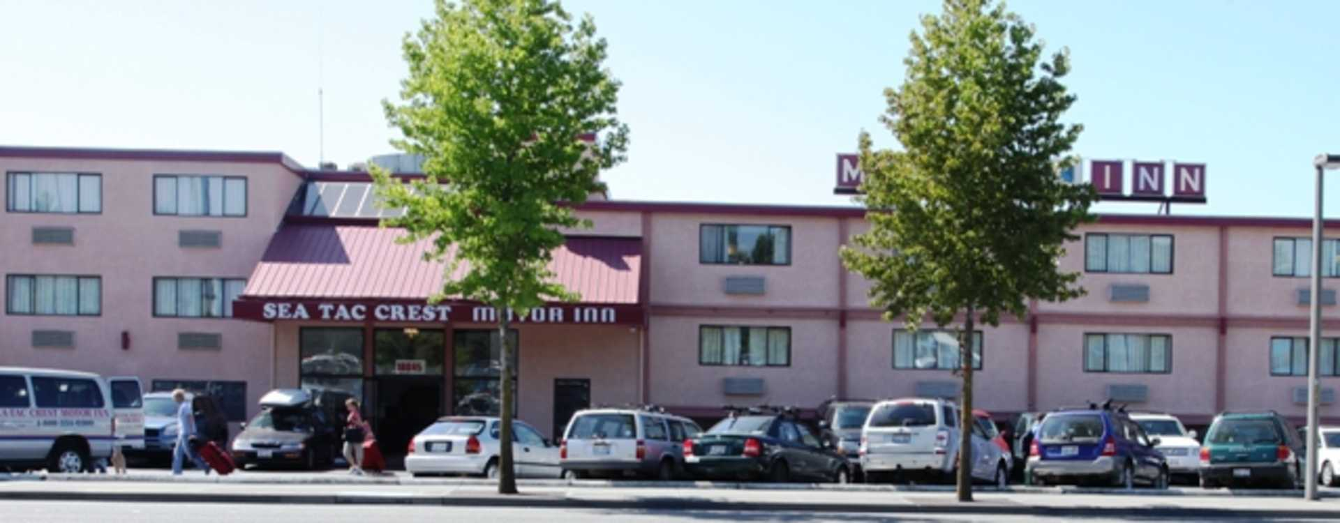 SeaTac_Crest_Motor_Inn_Parking.jpg