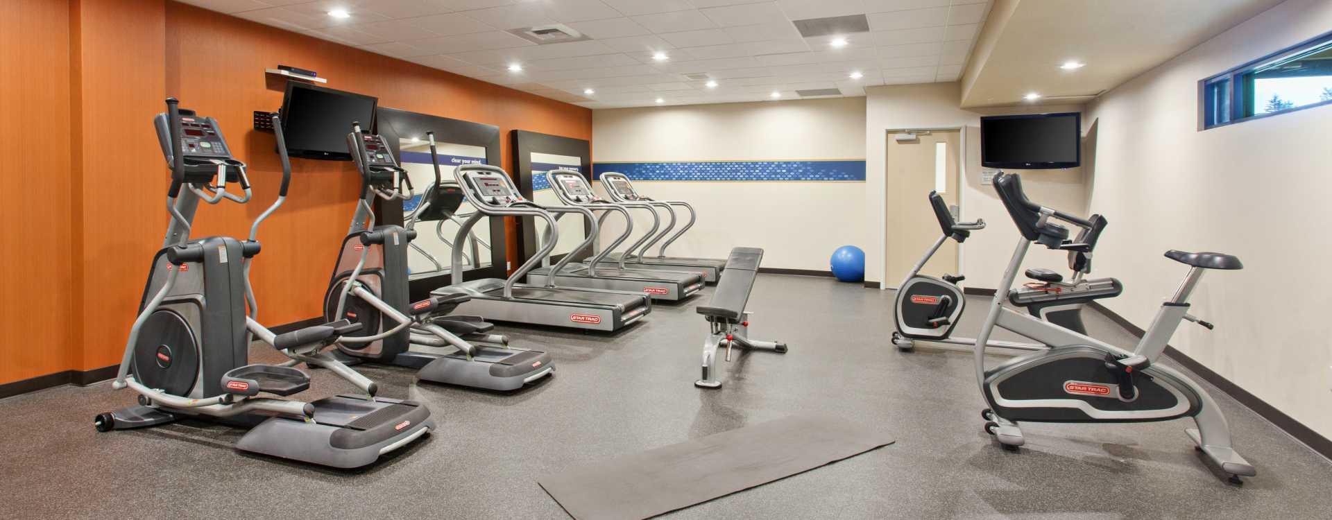 Hampton Inn Seattle Airport Fitness Room