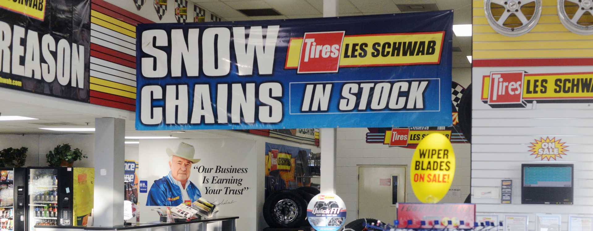 Les Schwab Tire Center - Burien
