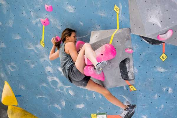 Defy Gravity Dyno Comp at Momentum Indoor Climbing Silver Street
