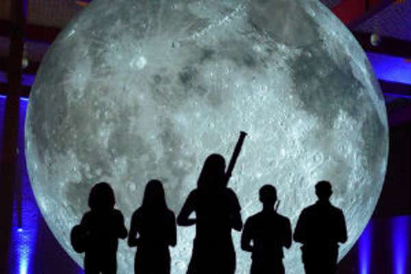 Grand Tour of the Moon by David Kring & WindSync Concert