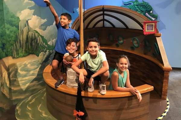 Dragons & Fairies: Exploring Viet Nam Through Folktales - Nueva Exhibición!