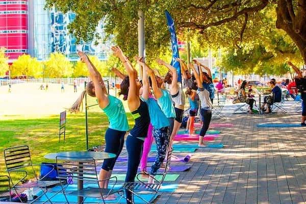 Hatha Yoga en Discovery Green