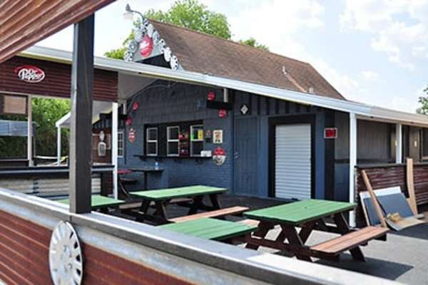 Hubcap Grill - Heights