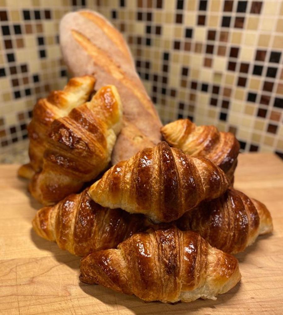 L Estole Patterierie French Bakery