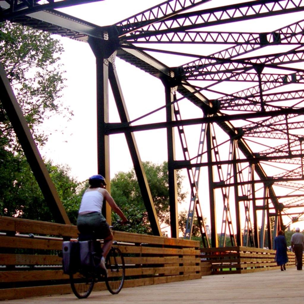 Bridge-at-Greenville-Town-Common_GreenvilleNC-2.jpg