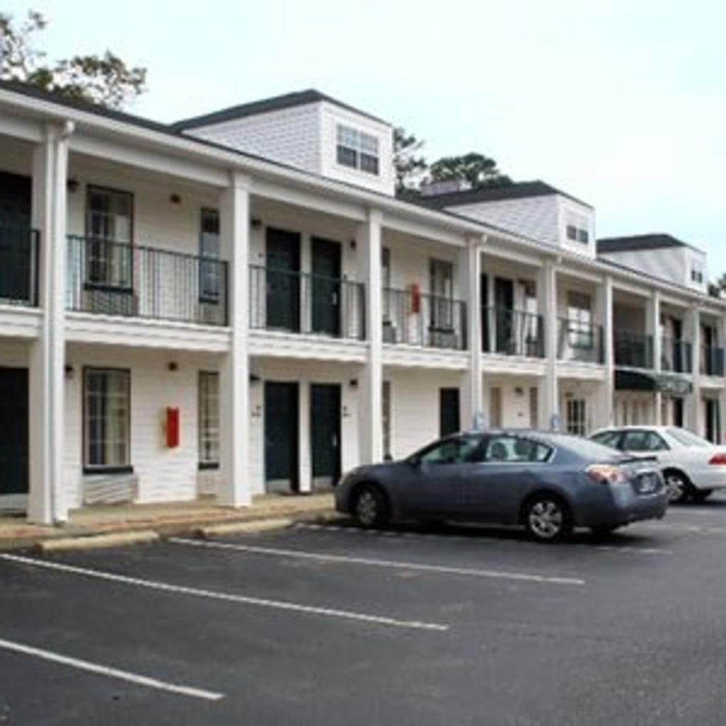 econolodge-greenville.jpg