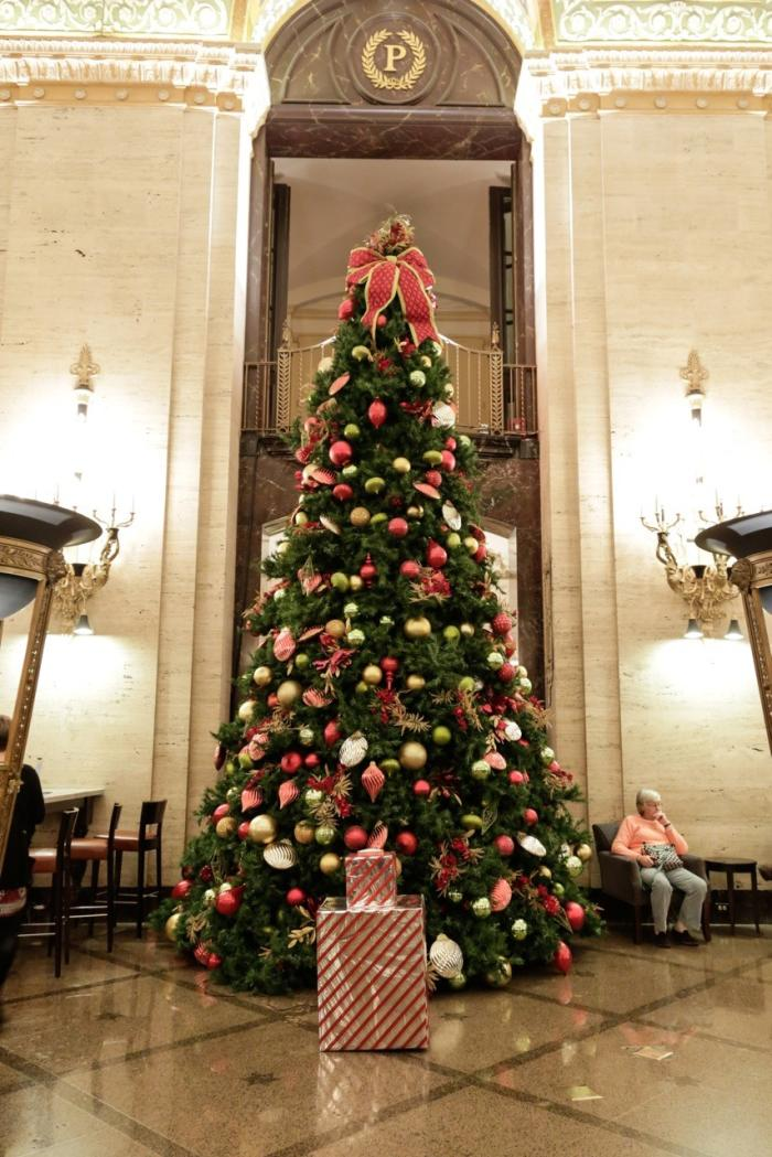 Palmer House Christmas tree