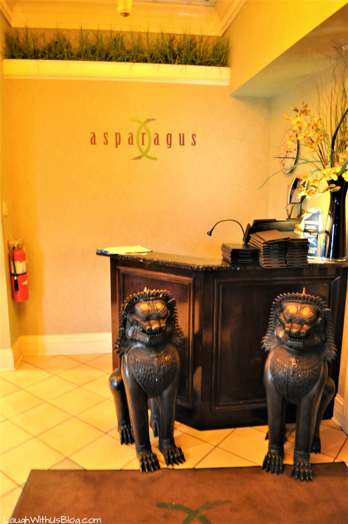 Asparagus Merrillville, Indiana entryway lions