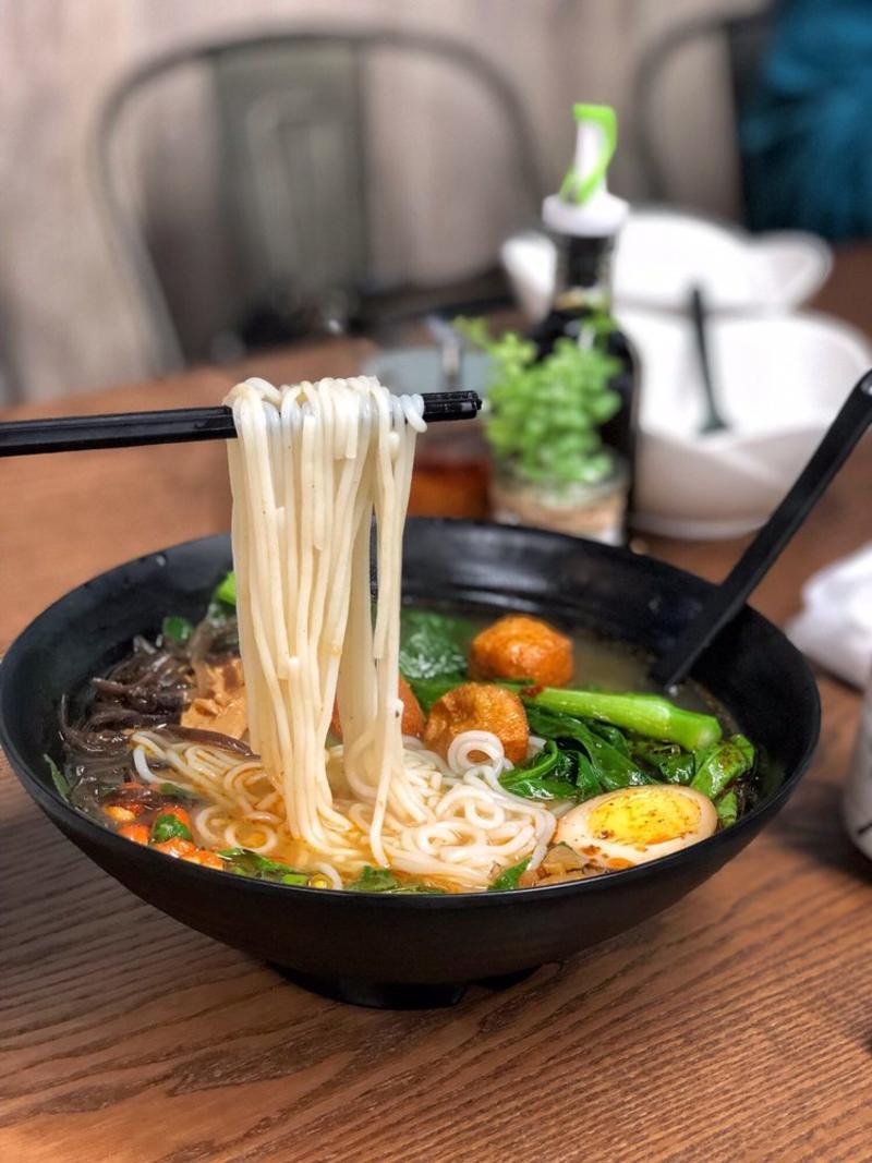 R Noodles Photo