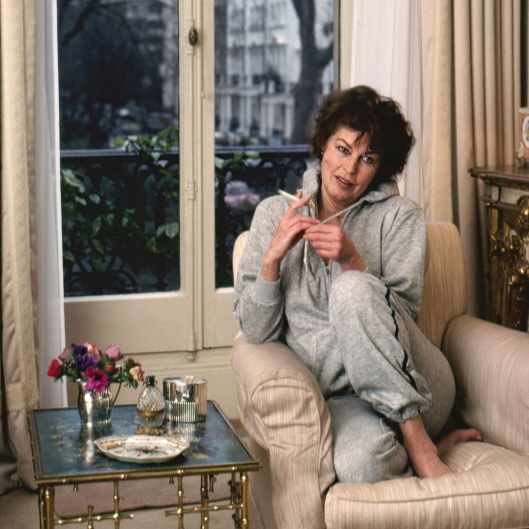 Ava Gardner in her home in London in the 1980s.