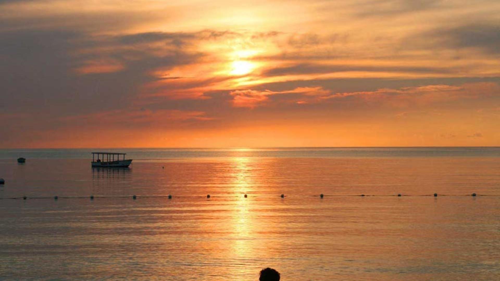 13SATP_SunsetCouple