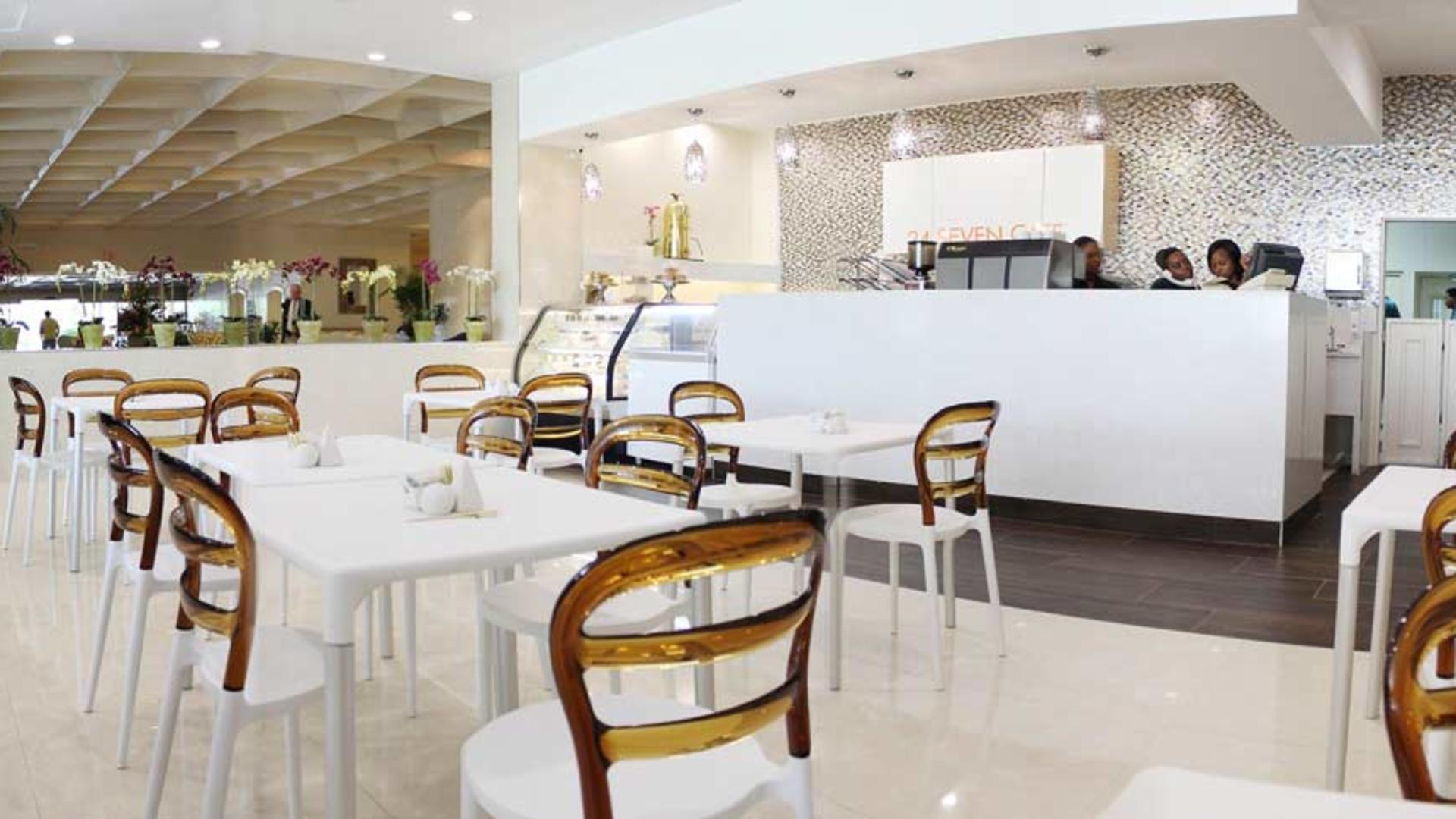 247wide-Cafe-JPH