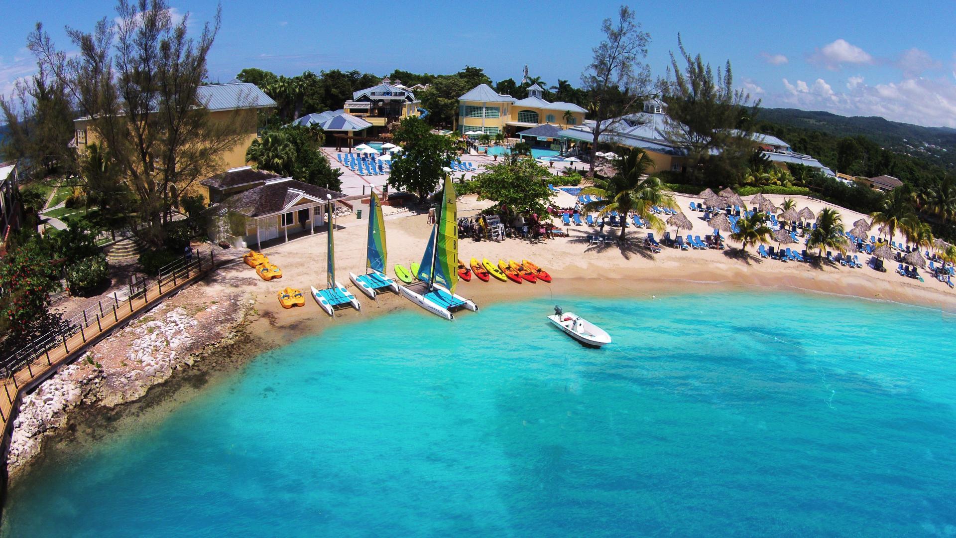 Jewel Paradise Cove Beach Resort