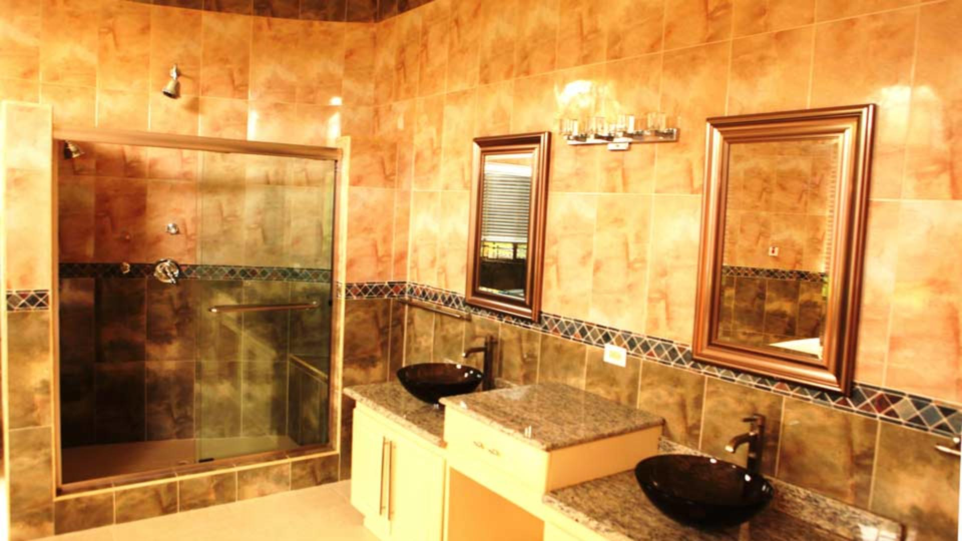 Milbrook-Resort---bathroom