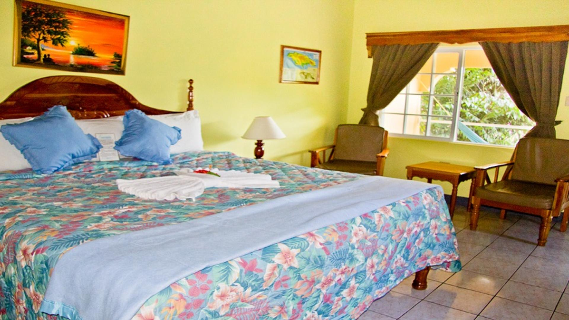 Sea Star Inn Bed 2