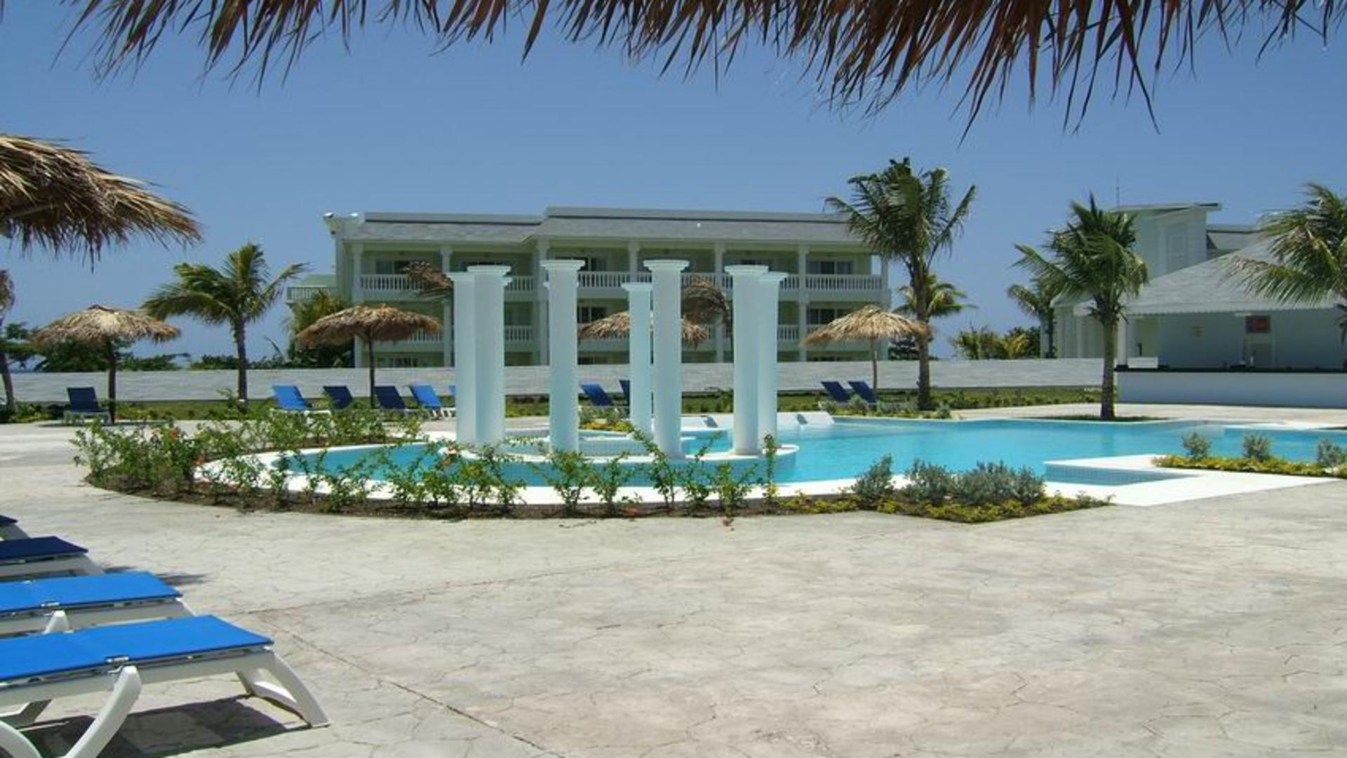Grand-Palladium-Jamaica_Piscina-Relax_gallery