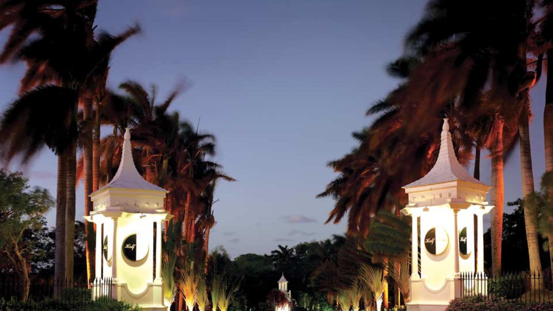 Half-Moon,-A-RockResort,-Rose-Hall,-Jamaica---Resort-Entrance