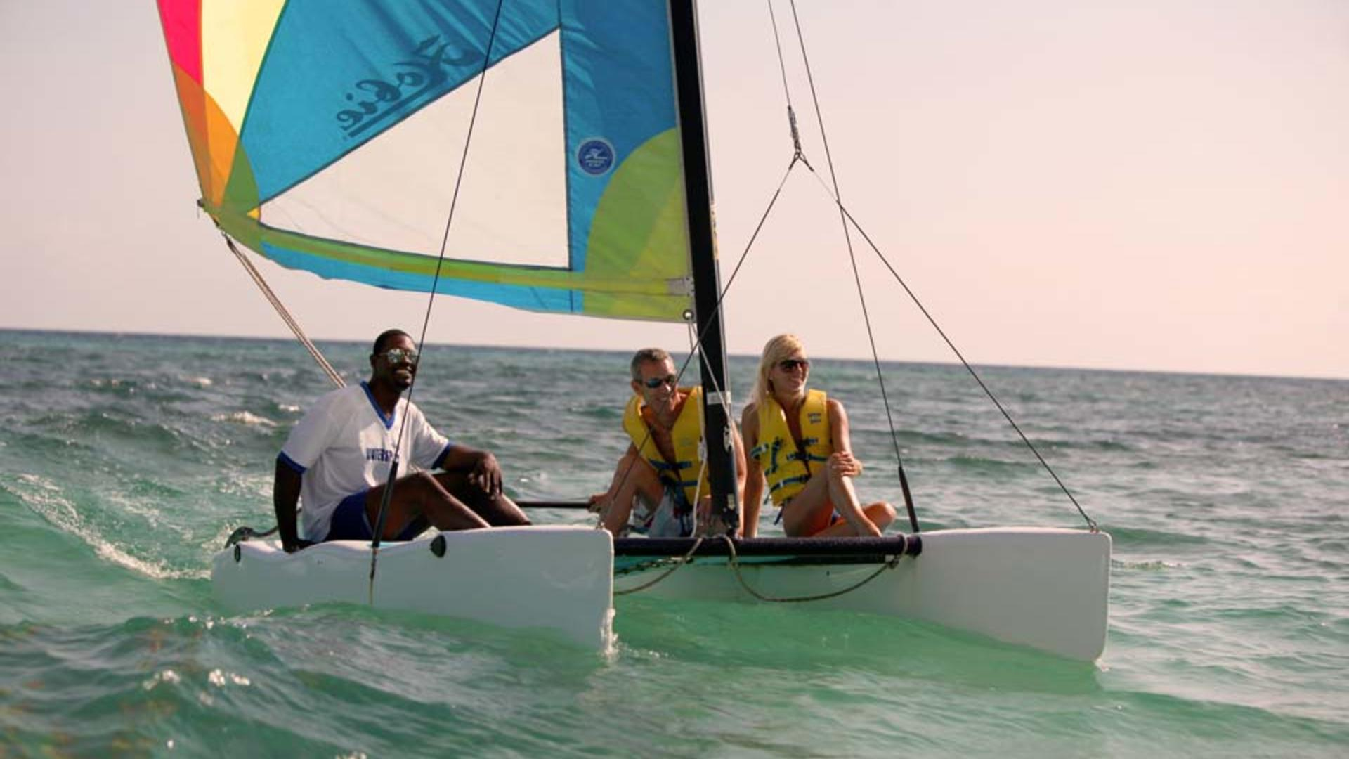 Half-Moon,-A-RockResort,-Rose-Hall,-Jamaica---Sailing