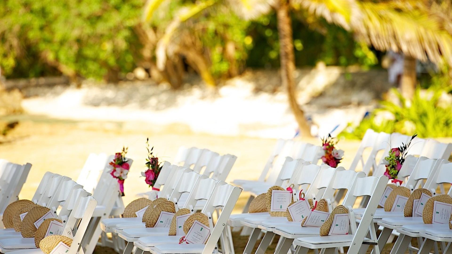 Weddings at Round Hill Hotel & Villas