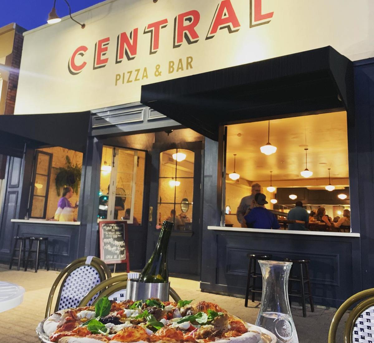 CENTRAL Pizza Patio