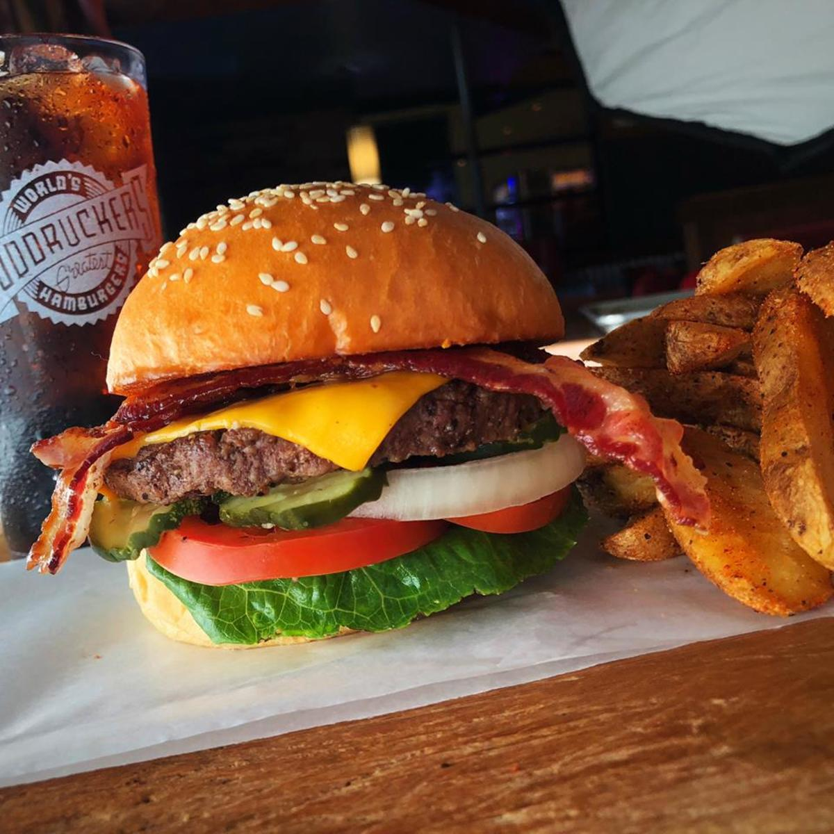 Fuddruckers burger