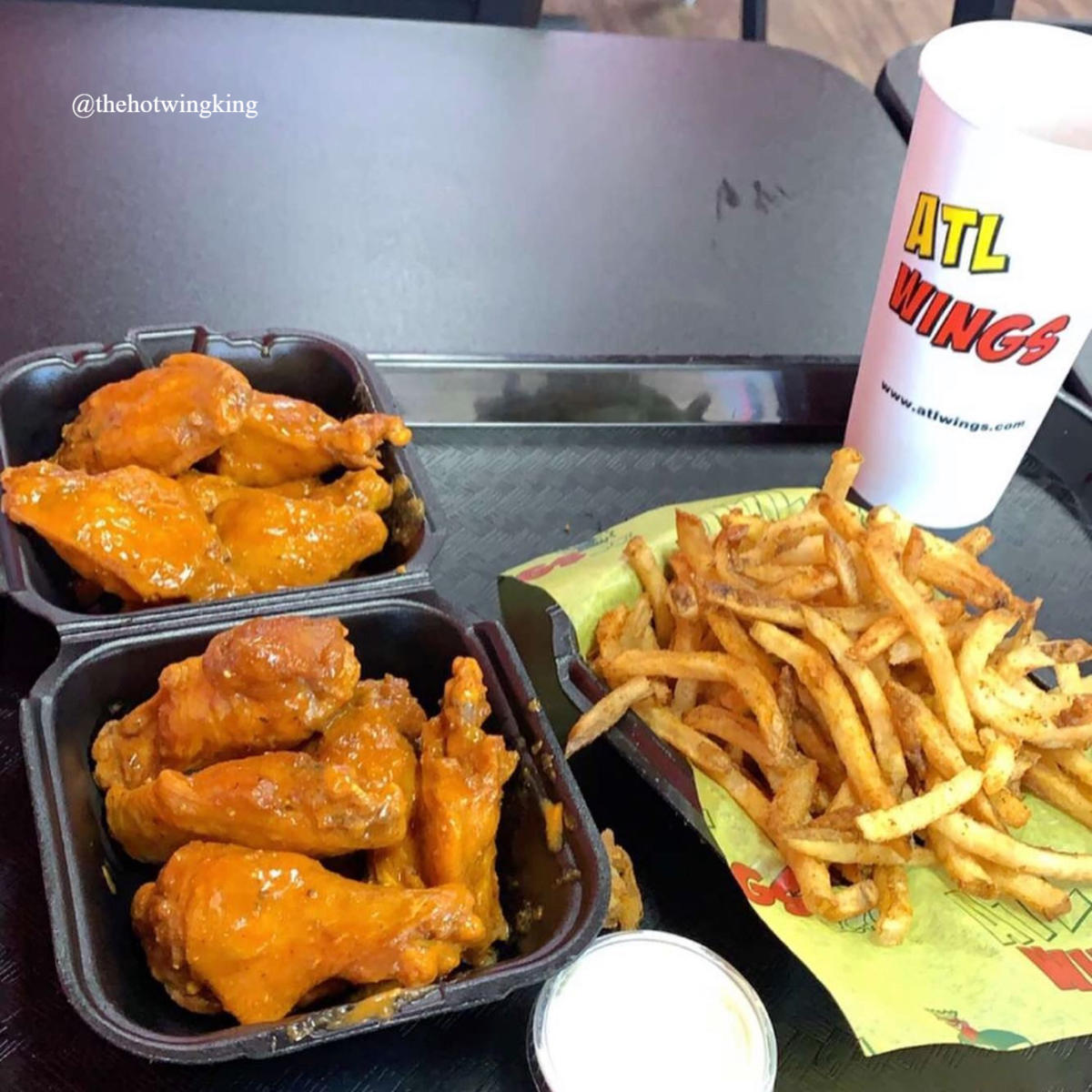 ATL Wings to-go by IG user @thehotwingking