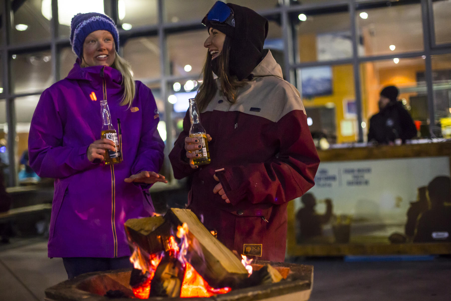 Coronet Peak night ski and beverages