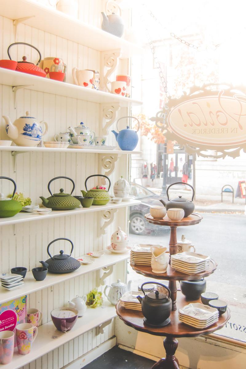 Voila teapots