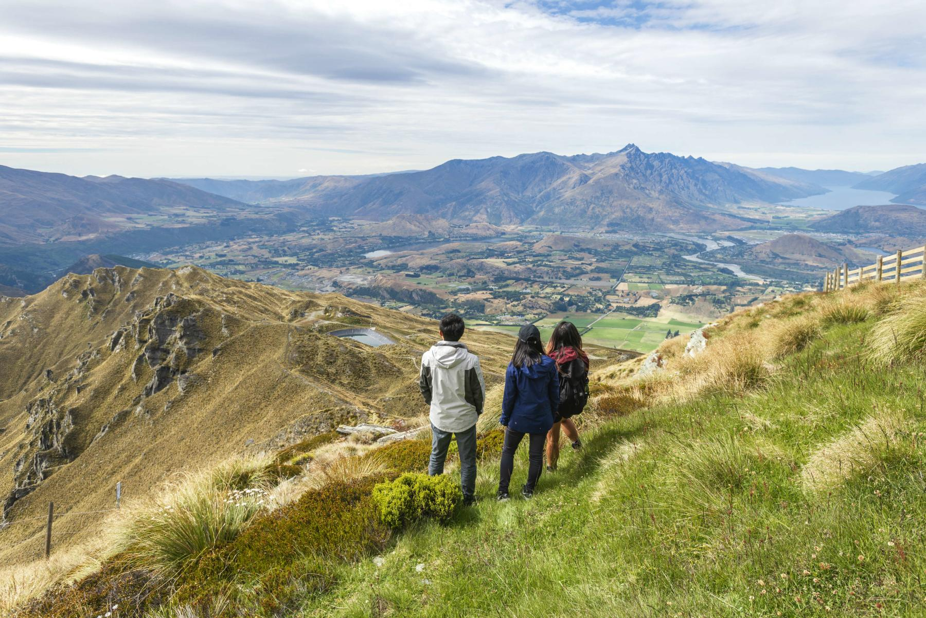 Summer sightseeing at Coronet Peak