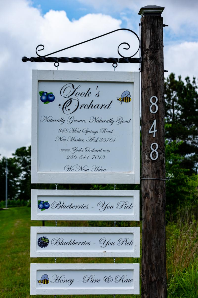 Zook's Farm Sign