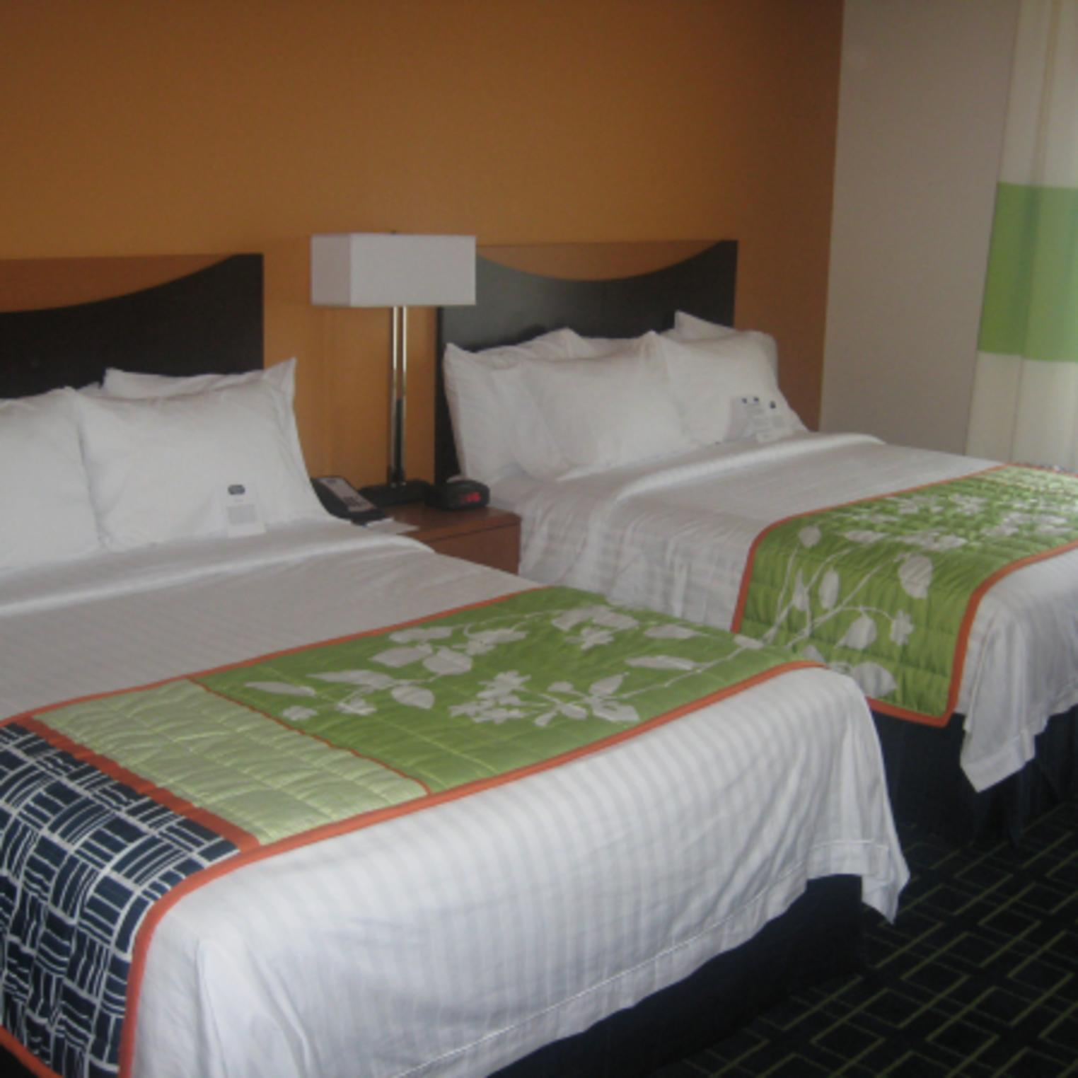 Fairfield Inn & Suites Carlisle double bed accommodations