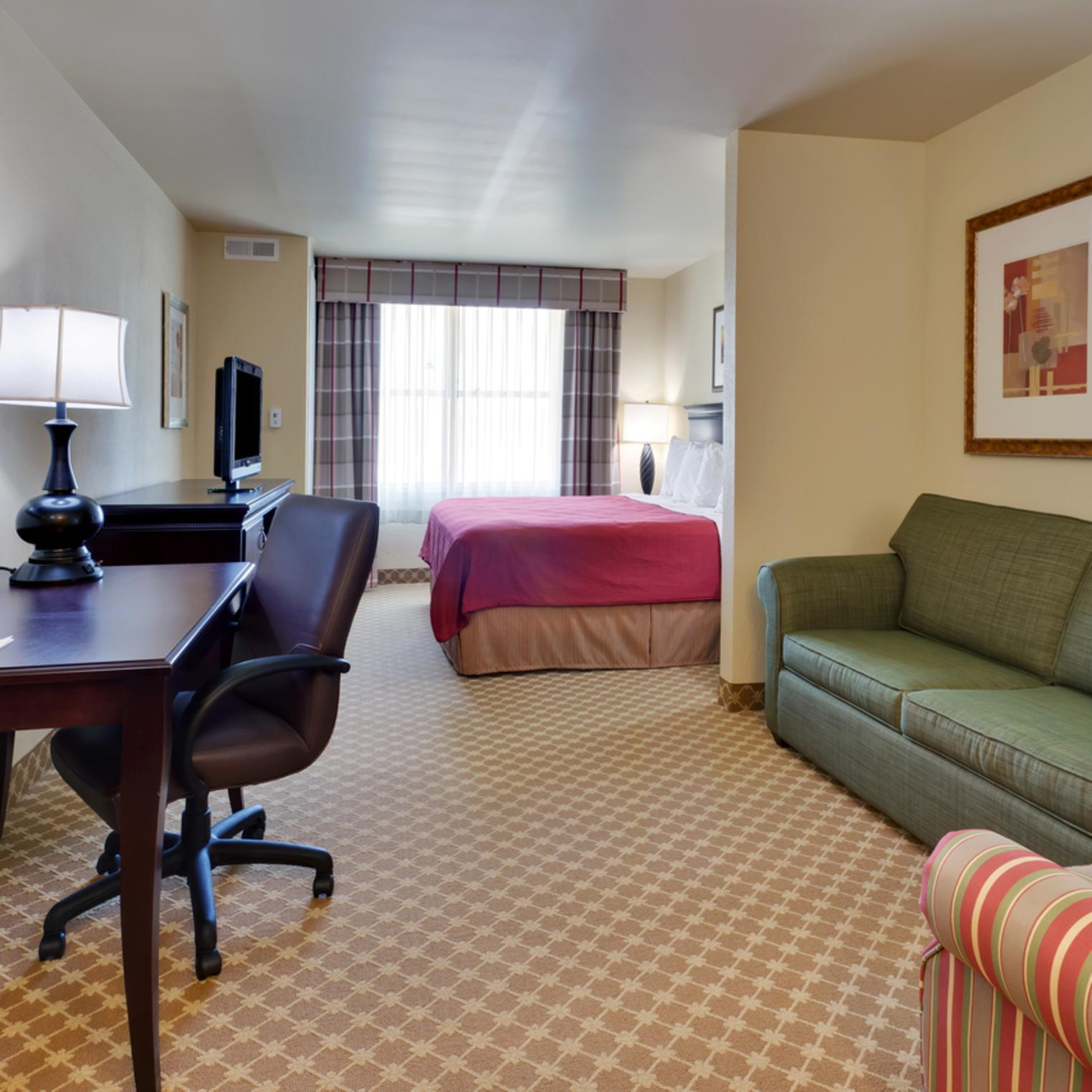 Country Inn and Suites King Studio