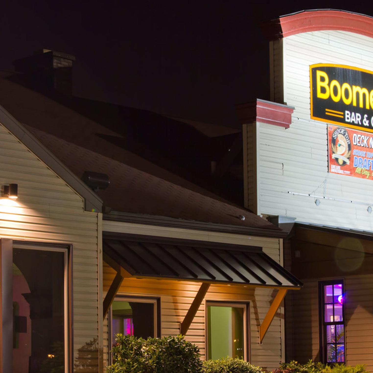 Boomerang Bar & Grill