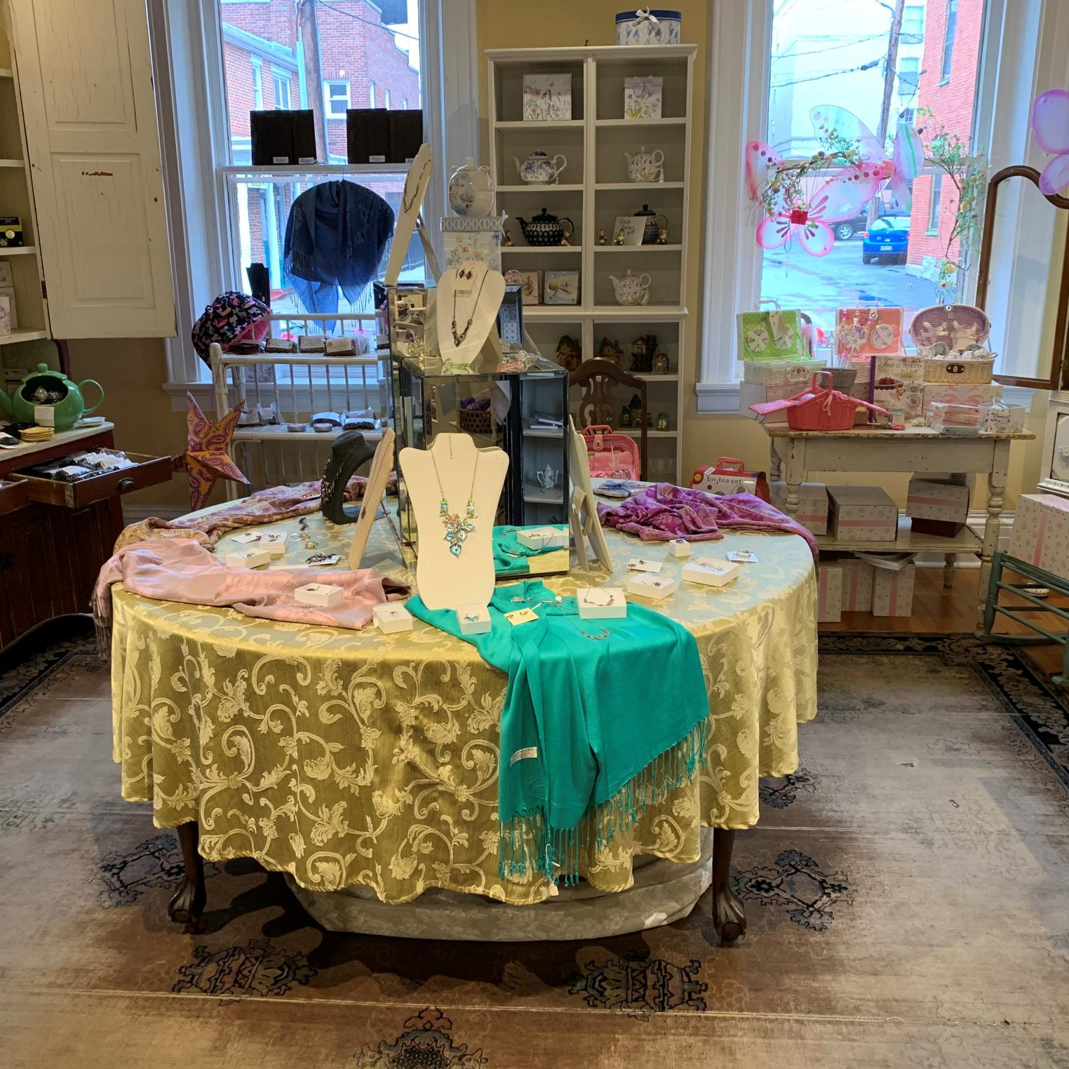 Camellia's Sin Tea Room & Gift Shop