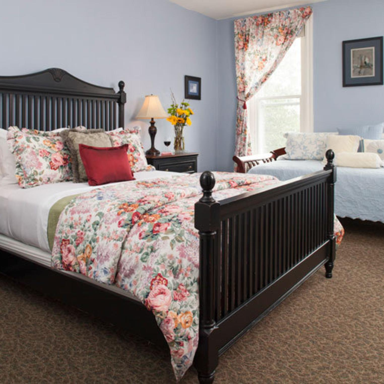 Queen-sized Bed in the Bailey Room