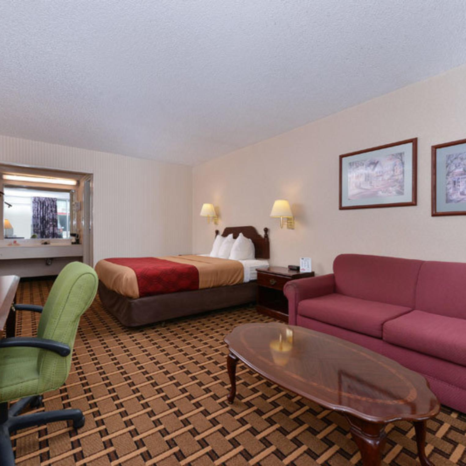 Econo Lodge Carlisle Guest Room
