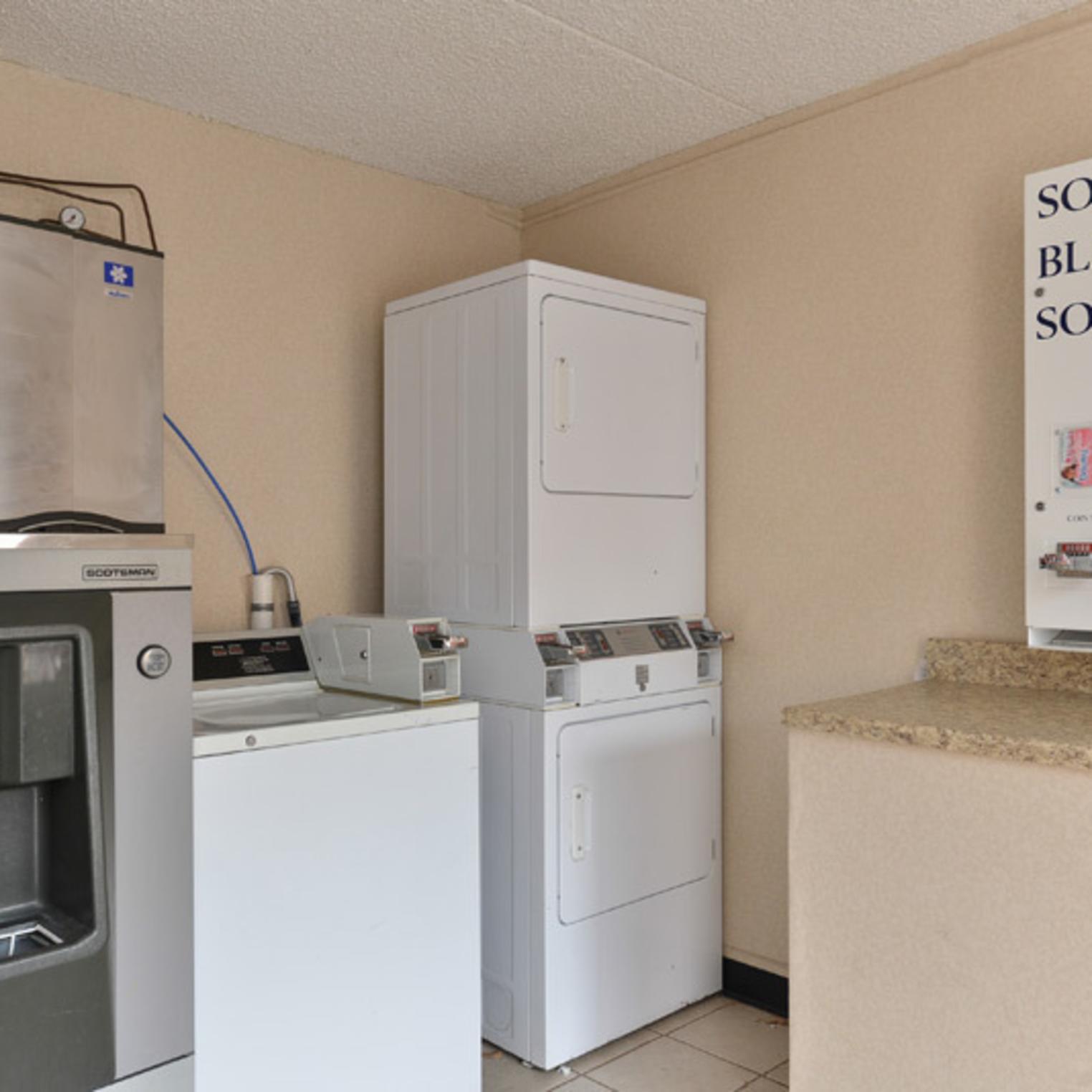 Econo Lodge Carlisle Laundry Facility